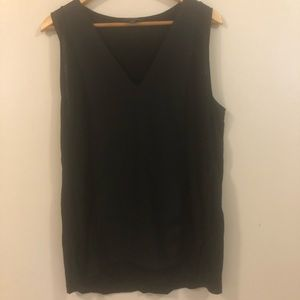💕 Banana republic sleeveless V-neck